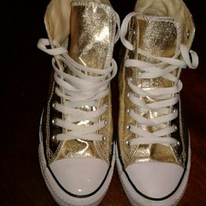 High top worn once Converse metallic gold size 9